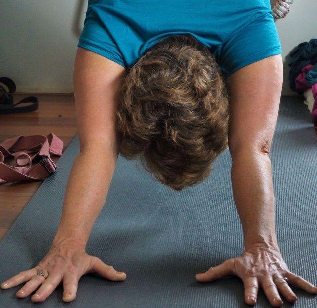Why this doctor practices yoga for 20 minutes every day (and how you can too)