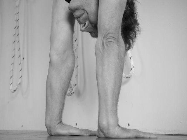 Frank-Jesse-the-foundation-of-handstand