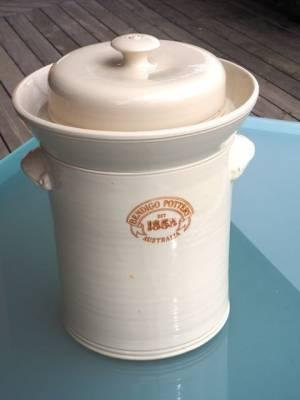 Bendigo Pottery crock.jpg