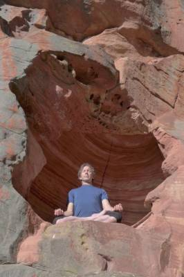 b2ap3_thumbnail_Frank-Jesse-morning-meditation-in-Grampians-cave.-Photo-John-Langford.jpg