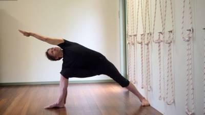 b2ap3_thumbnail_Utthita-Parsvakonasana---Extended-side-angle-stretch.jpg